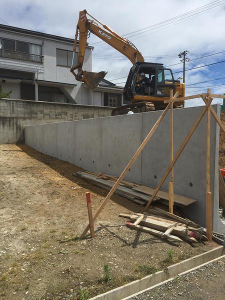 L型擁壁工事