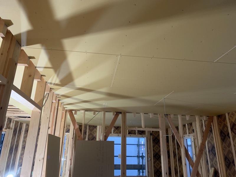 天井ボード貼り