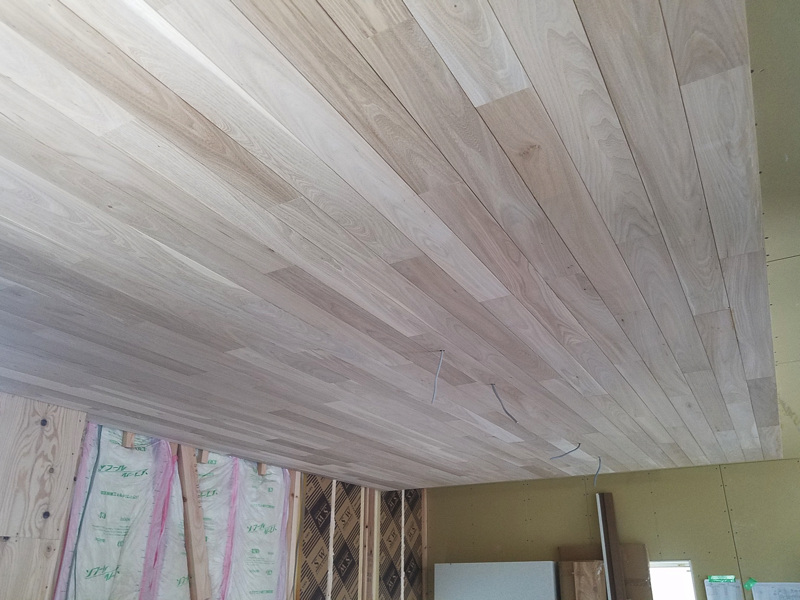 天井板張り