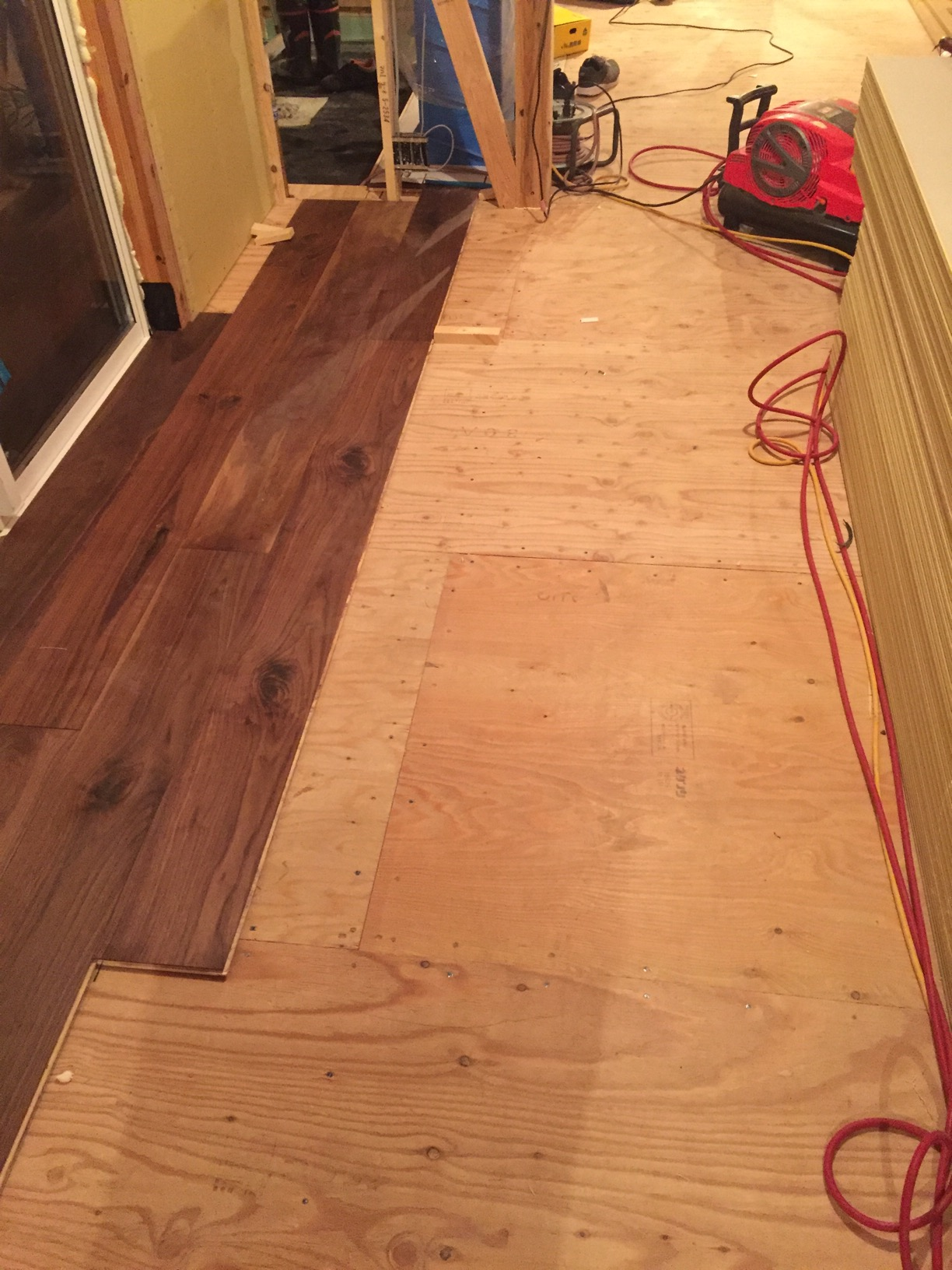 (1F)床張り施工