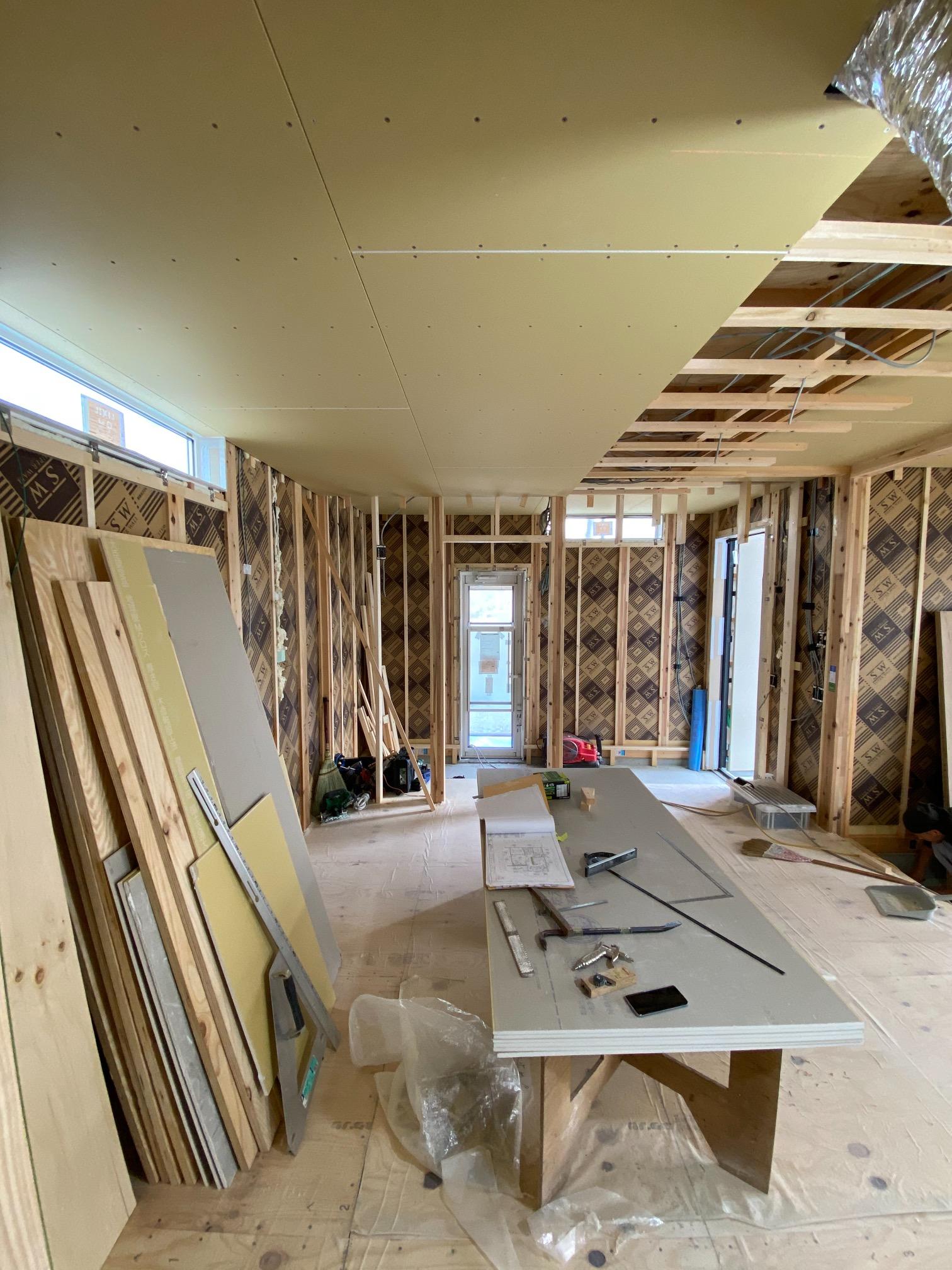 天井ボード張り施工
